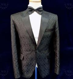 Black-pattern-suit